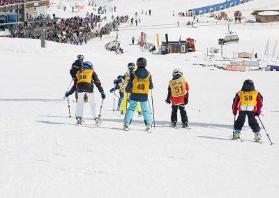 Kinderskikurse der Alpin Schischule Neustift am Stubaier Gletscher in Neustift im Stubaital