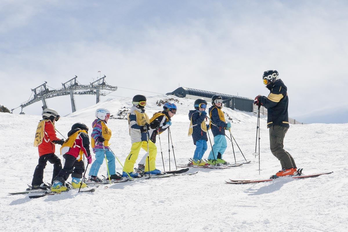 Children's ski course with the Alpin Ski School Neustift on the stubai glacier