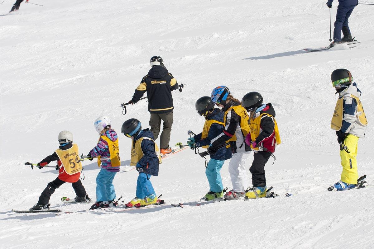 Children's ski school in neustift stubai